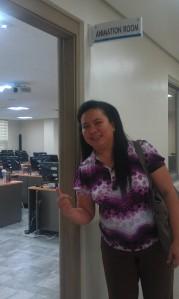 Grace at animation doorway 3D room_HRD center