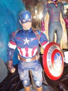 Sep 17 Capt America Hot Toys