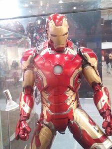 Sep 17 Iron Man Hot Toys