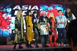 Sept 19 cosplayers allison harvard, alodia gosengfiao, bill doran, vampybitme and cosplay photographer jay tablante